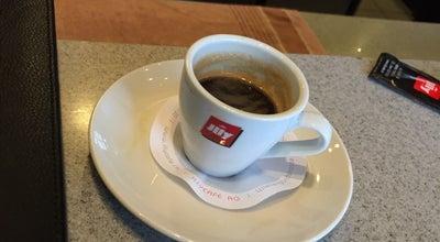 Photo of Cafe Le p'tit Buffet at Place De La Gare, Nyon 1260, Switzerland