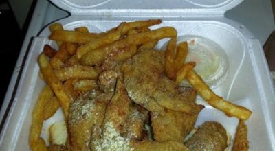 Photo of American Restaurant Hook Fish & Chicken at 1221 Federal St, Pittsburgh, PA 15212, United States
