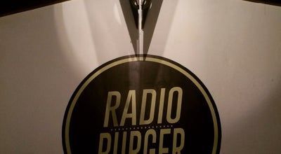 Photo of Burger Joint Radio Burger Cabecera at Cra 34 # 51 - 75, Cabecera, Colombia