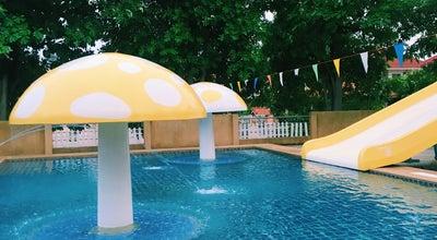 Photo of Pool สระว่ายน้ำหมู่บ้านแก่นทอง at Thailand