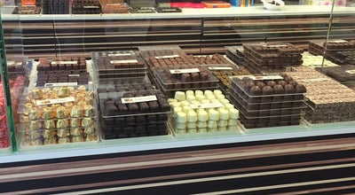 Photo of Chocolate Shop Leonidas at Leopoldlei 1, Heist-op-den-Berg 2220, Belgium