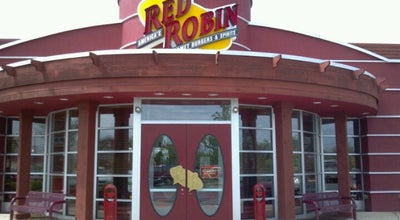 Photo of Burger Joint Red Robin Gourmet Burgers at 3072 Waldorf Market Pl, Waldorf, MD 20603, United States