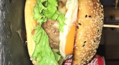 Photo of Burger Joint A Cultura do Hamburguer at R. Das Salgadeiras, 38, Lisboa, Portugal