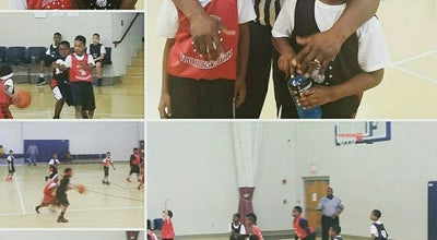 Photo of Basketball Court Mason Park Community Center at 700 E Exchange St, Akron, OH 44306, United States