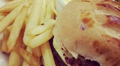 Photo of Burger Joint Le Pinguê Catanduva at Avenida Deputado Orlando Zancaner, 23, Catanduva 15801-440, Brazil