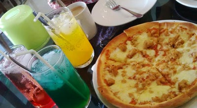 Photo of Italian Restaurant Hot n Fresh Pizza Pizza at Jalan Raya Gading Soekarno-hatta No. 26, Pasuruan, Indonesia