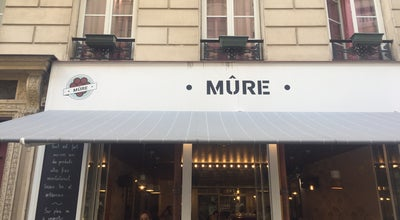 Photo of Salad Place Mûre at 6 Rue Saint Marc, Paris 75002, France