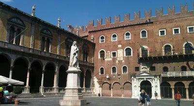 Photo of Plaza Piazza dei Signori at Piazza Dei Signori, Verona 37121, Italy