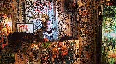 Photo of Bar Tape Bar at 21 Rue De La Roquette, Paris 75011, France