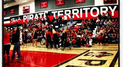 Photo of High School Pewaukee High School at 510 Lake St, Pewaukee, WI 53072, United States
