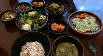 Photo of Vegetarian / Vegan Restaurant 산채 at 관악구 관악로13길 17, 서울, South Korea
