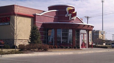 Photo of Burger Joint Red Robin Gourmet Burgers at 3720 S Glenstone Ave, Springfield, MO 65804, United States