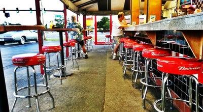 Photo of Burger Joint The Hob Nob at 1701 N Washington Blvd, Sarasota, FL 34234, United States