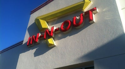 Photo of Fast Food Restaurant In N Out Burger at 15575 Hesperian Blvd, San Leandro, CA 94579, United States