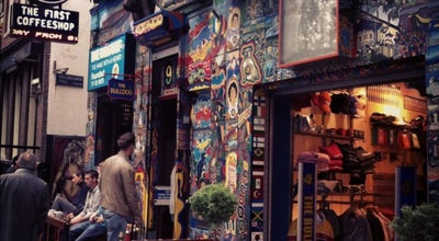Photo of Smoke Shop The Bulldog No. 90 at Oudezijds Voorburgwal 90, Amsterdam 1012 GG, Netherlands