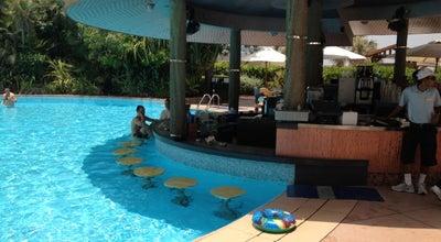 Photo of Bar Pool Bar - Jumeirah Beach Hotel at Jumeirah Beach Hotel, Dubai, United Arab Emirates