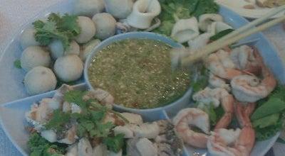Photo of Asian Restaurant ร้านอาหารสีฟ้า พลูตาหลวง at พลูตาหลวง 20180, Thailand