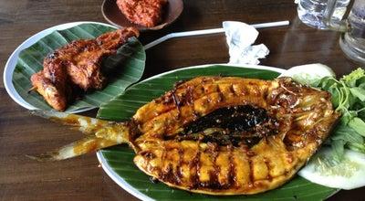 Photo of Indonesian Restaurant Ayam Bakar Bu Mamik at Jl. Kalimantan No. 11a, Blitar 66131, Indonesia
