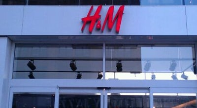 Photo of Clothing Store H&M at 125 W 125th St, New York, NY 10027, United States