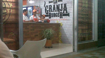 Photo of Burger Joint la granja burguer at Avenida Tenerife Con Cra 7a, Neiva, Colombia