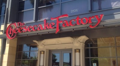 Photo of American Restaurant The Cheesecake Factory at 15301 Ventura Blvd, Sherman Oaks, CA 91403, United States