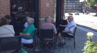 Photo of Cafe Den Drijhoek at Lintsesteenweg 2, Hove 2540, Belgium