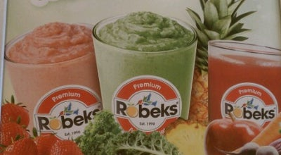 Photo of Smoothie Shop Robeks Fresh Juices & Smoothies at 3757 W Market St, Fairlawn, OH 44333, United States