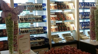 Photo of Candy Store Lindt Outlet Boutique at 2250 Markham Road, Scarborough, ON M1B 2W4, Canada