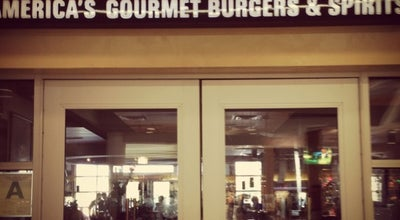 Photo of Burger Joint Red Robin Gourmet Burgers at 5000 Shelbyville Rd, Louisville, KY 40207, United States