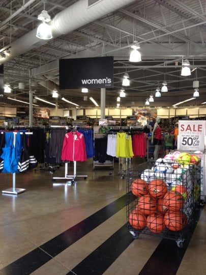 adidas outlet mall in aurora il