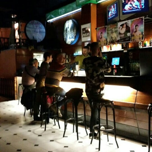 punto bcn gay bar barcelona