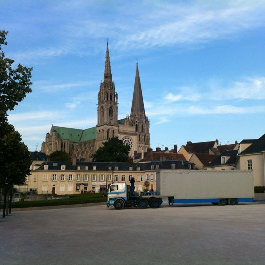 Photo taken at Cathédrale Notre-Dame de Chartres by Lefoulon L. on 9/1/2012