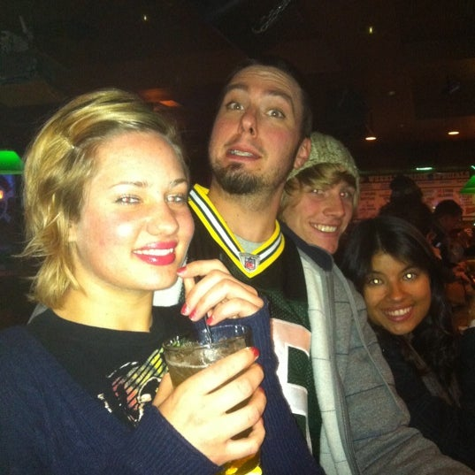 Photo taken at Murphy's Irish Pub by Linnea E. on 11/21/2011