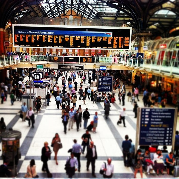 Photo taken at London Liverpool Street Railway Station (LST) by Dafne B. on 5/29/2012