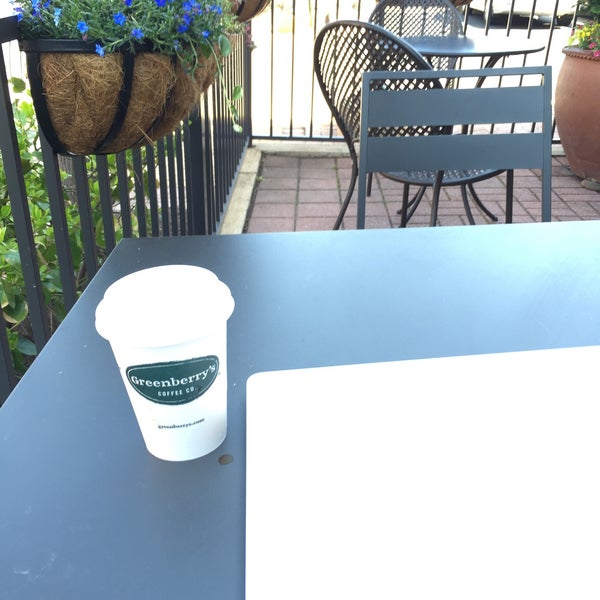 Photo taken at Greenberry's Coffee & Tea by Colin S. on 4/12/2015