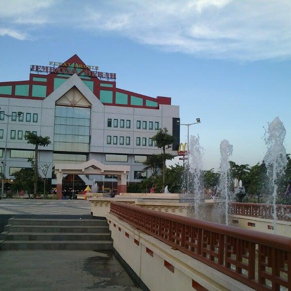 Photo taken at Pusat Grosir Jembatan Merah Plasa (JMP) by August S. on 5/4/2013