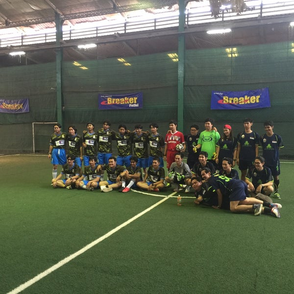 Photo taken at SD Indoor Soccer by Mr.Trakool T. on 11/29/2015