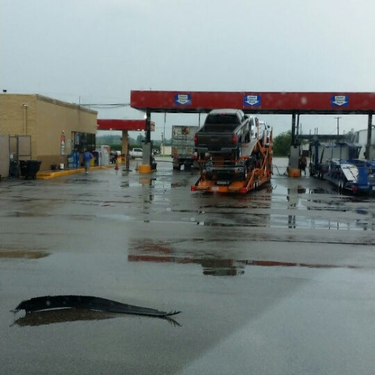 Photo taken at Pilot Travel Center by Lerone W. on 8/11/2014