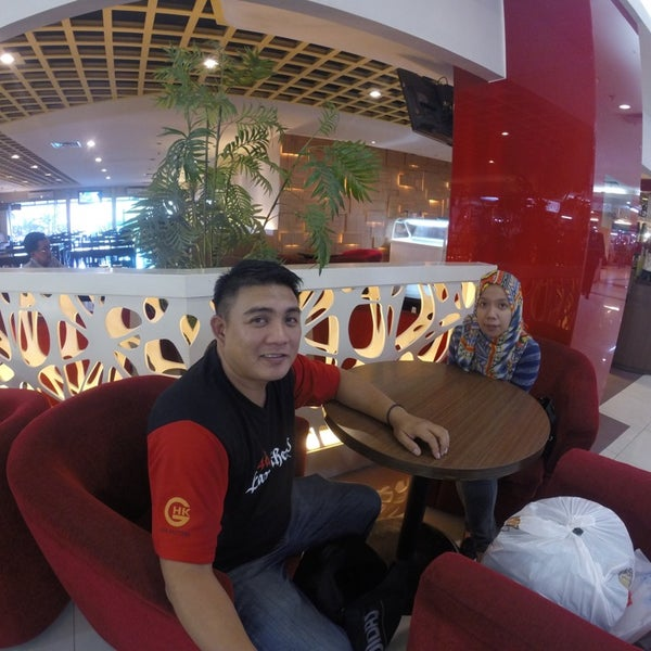 Photo taken at Pusat Grosir Jembatan Merah Plasa (JMP) by FaiZah H. on 9/24/2014