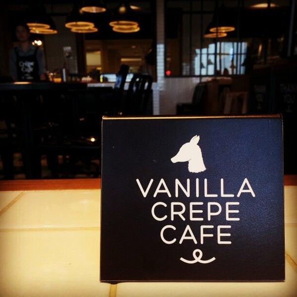 Photo taken at Vanilla Crepe Cafe by Ryuji380 on 1/13/2013