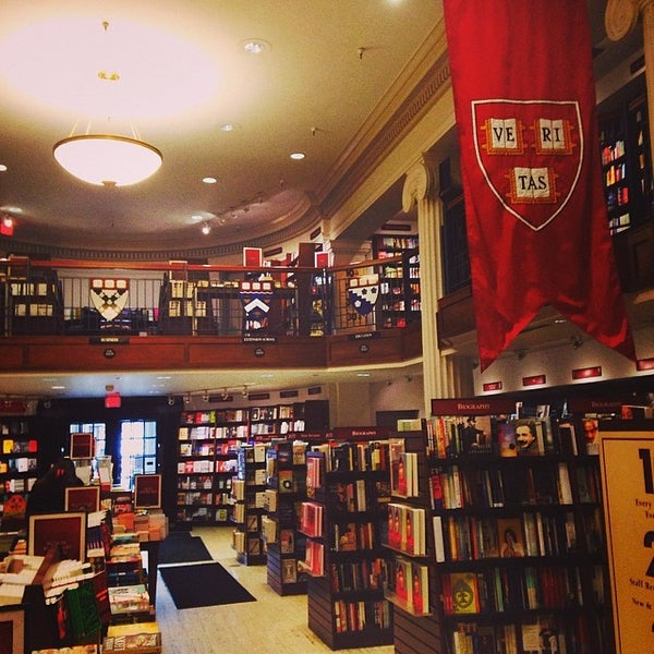 Photo taken at Harvard Coop Society Bookstore by イムハタ 八. on 3/21/2014