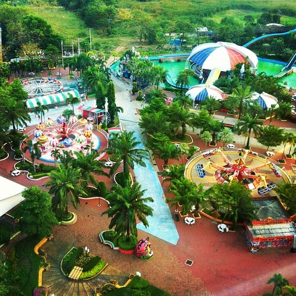 Photo taken at Siam Park City by Buppha on 2/1/2013