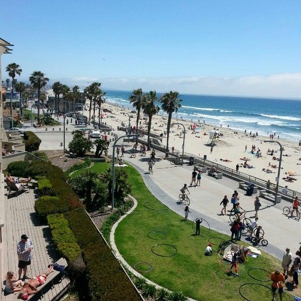South Pacific Beaches: Pacific Beach Boardwalk