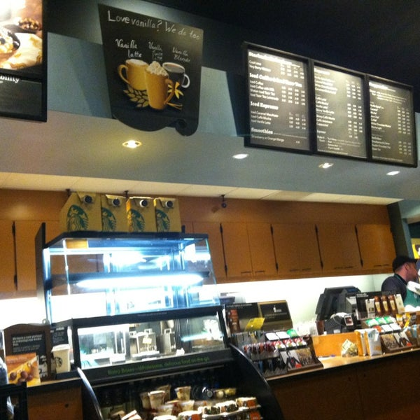 Photo taken at Starbucks by Leon R. on 2/17/2013