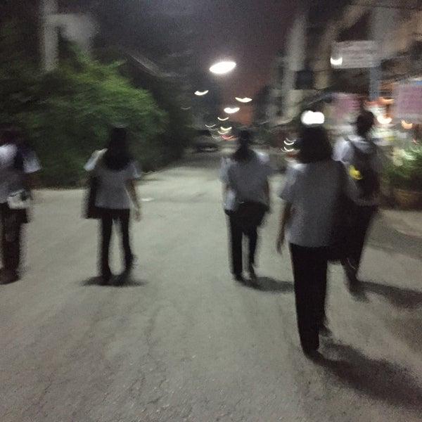 Photo taken at หน้า ม.มหิดล ศาลายา by น้องนุกน้อย ช. on 11/23/2015