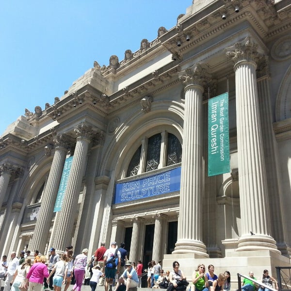 Photo taken at The Metropolitan Museum of Art by Roberto A. on 6/23/2013