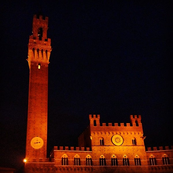 Photo taken at Piazza del Campo by @sloane on 8/26/2013
