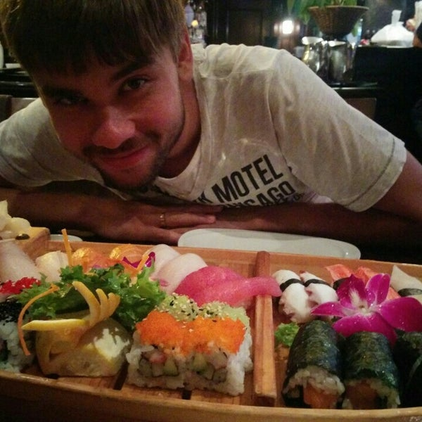 Photo taken at Sushi Thai Too by Vladislav S. on 9/29/2015