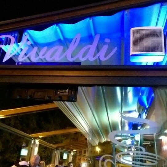 Caffe bar vivaldi kne ija zagreb grad zagreb for Food bar zagreb