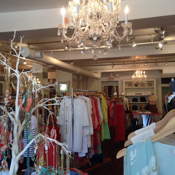 Red dress boutique athens-9469